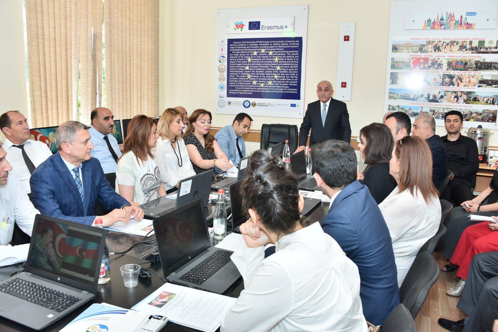 SDU-da yeni tədris- təlim mərkəzinin və Elektron laboratoriyasının açılışı oldu