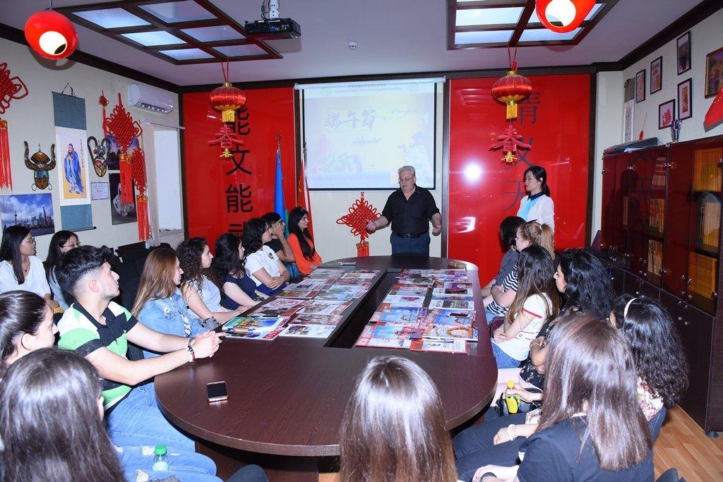 ADU-da Şairlər günü-Çin bayramı qeyd edilib